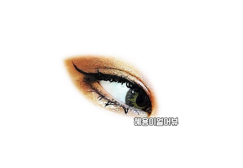 훌라도 없는 편이랍니다! 착용감도 조녜조녜로움!   딱 한달용렌즈의 편한 착용감이라고 생각하시면 되오! 얇고 편한 렌즈!! *_*