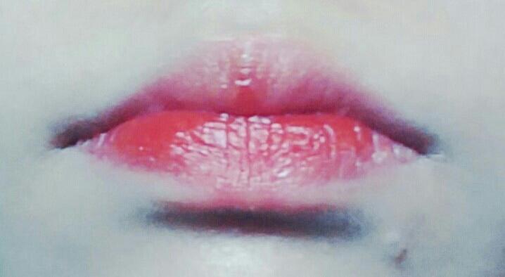 입술은 더샘 리얼틴트 오렌지색상을 발라주었습니다 짱 이쁘죠❤❤