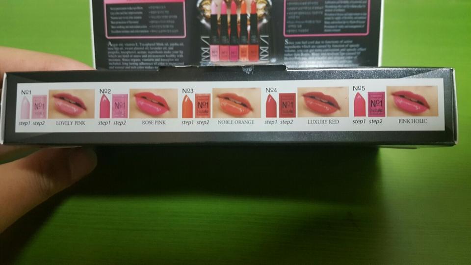 1호는 러블리 핑크 2호는 로즈 핑크 3호는노블 오렌지 4호는 럭셔리 레드 5호는 핑크 홀릭 인데 저는 4호 럭셔리 레드를 시켰어요!!