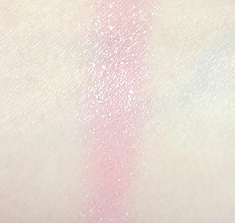 이렇게 핑크빛은 맑고 투명하게 올라오고 바셀린 펄감만 촤르르하게 빛난답니당
