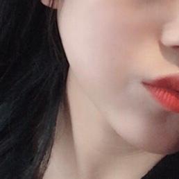 에센스팩트라 사용방법이 간단해요  피부에 착착 밀착되서 붙어요  커버력도 괜찮고 광표현도 나쁘지않아요 피부가 반짝반짝해져서 아름다워집니다 ㅋㄷ❤️