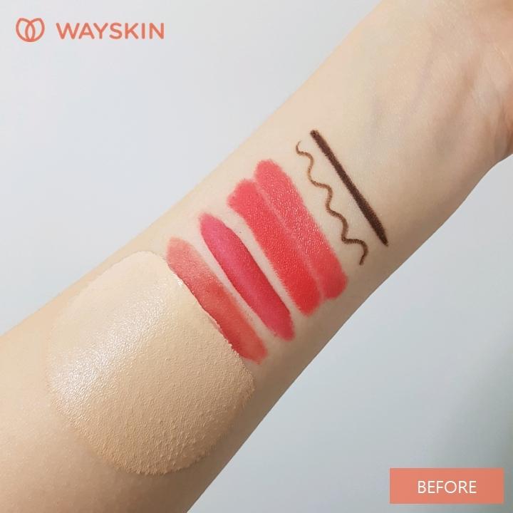 다른 제품에 대한 세정력도 테스트해볼게요.  아이라이너, 립스틱, 틴트, 파운데이션 등을 바른 뒤,  웨이스킨 서울 클렌징 폼으로 씻어봤어요.