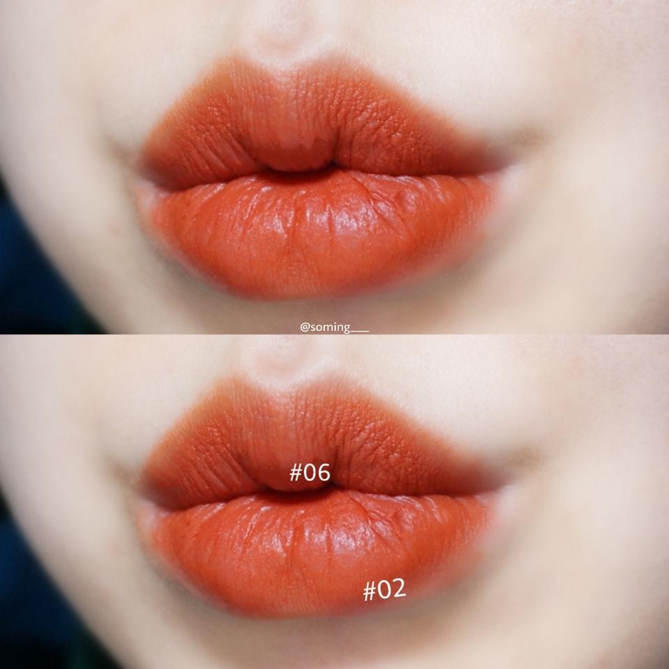 둘다 오렌지빛이 도는데 하이틴 오렌지는 귤빛, 진저로코는 벽돌빛이 더 돌아요.  하이틴을 입술 라인에 진저로코를 중앙에 발라주었답니다♡