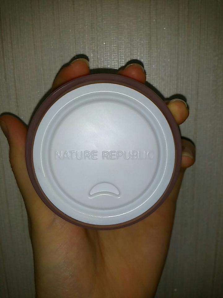 뚜껑을 열면 이런 플라스틱 마개??가 있어요
