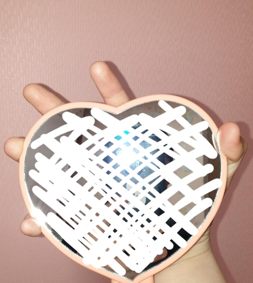 정말커요 거울부분은 한손에 잡기 힘들정도에요