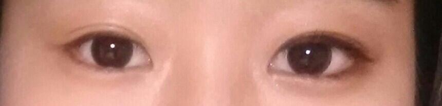 으앙 죄송해요ㅠㅠ 사기가아닙니다!!ㅈ여러분도 저처럼 될수있으세욥(사실 제가 눈이 짝짝이라 화장안했을때도  왼쪽눈이 작다는...)