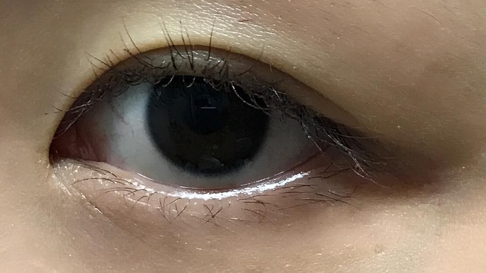 일단 맨눈입니다!ㅎㅎ 전 눈동자랑 눈이 큰편은 아니에요ㅎ