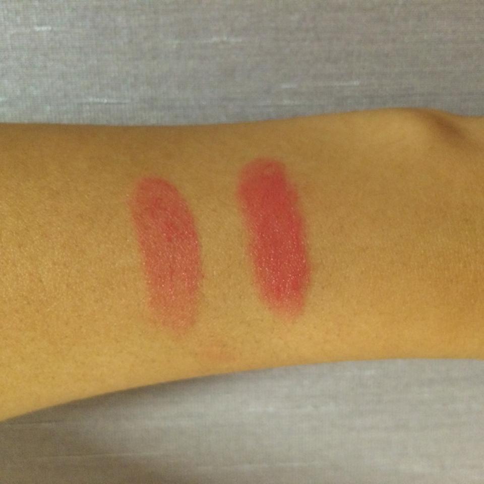 훗 제가 한국 피부가 아니라 히스페닉 피부라 발색샷은 항상 잘 표현하지 못하는 점 죄송합니다. ㅠㅠ  너무 예쁜데 어떻게 설명할 방법이 없네요. 점잖은 핑크입니다. 너무 아름다워요...