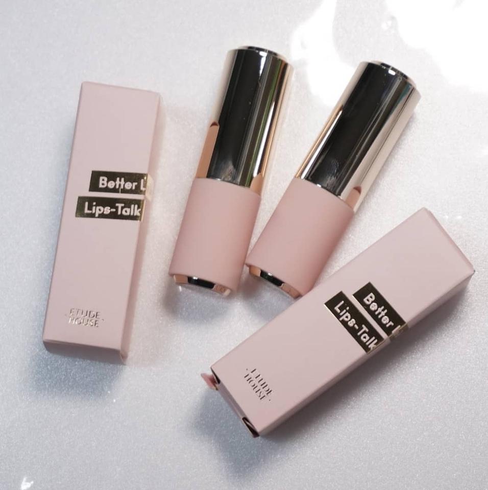 에뛰드에서 이번 4월에 출시한 립스틱 중 2가지 제품을 사용해보았어요!  패키지도 한층 더 예뻐지고 게다가 자석이랍니다!!