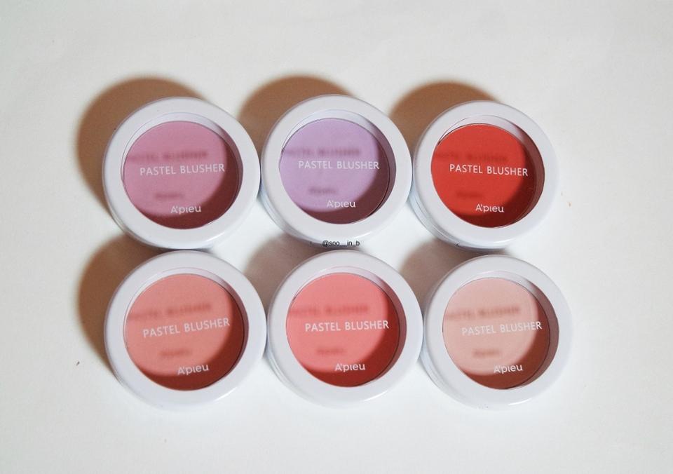 핑크 , 라벤더 , 레드 계열 입니다 ! 핑크도 3종류나 있고 라벤더 색도 2종류가 있구요 레드컬러도 있어서 되게 다양한 컬러 인거 같아요✌️  순서는     Vl01 Vl03 Rd01                Pk03 Pk04 Pk07  으로 봐주시면 될거 같아요 !