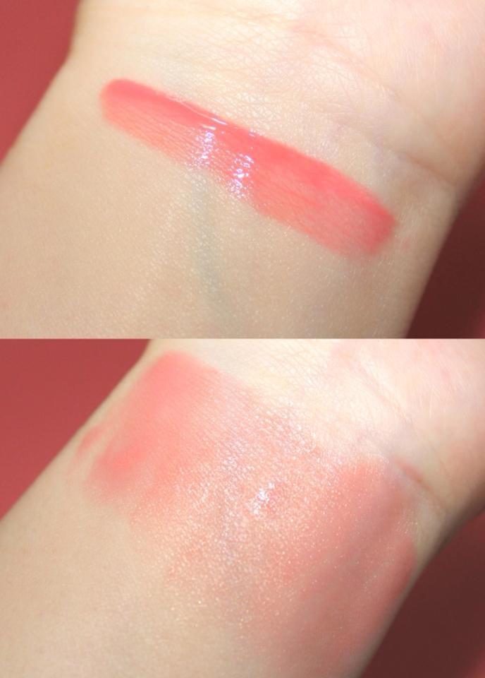 데일리로 사용하기 좋은 무난한 핑크 컬러로  웜한 느낌의 핑크톤이에요!  개인적으로 가장 많이 사용할 수 있는 컬러같아요!  촉촉한 워터타입이지만 발색도 잘 올라오고 블렌딩도 쉬워서 부드러운 느낌이 좋더라구요 👍