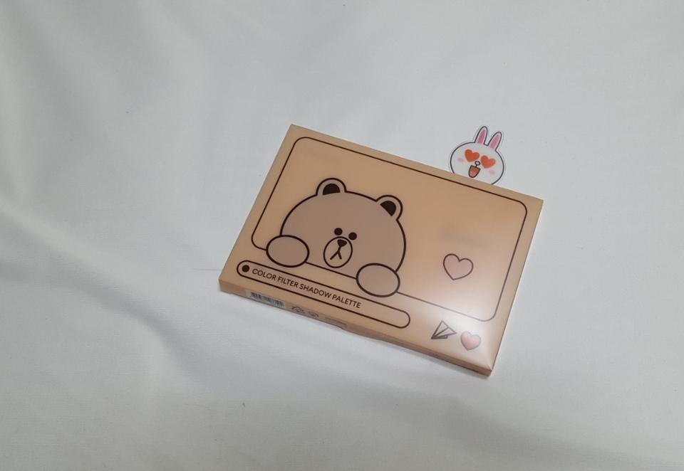 귀염뽀작 브라운과 코니 캐릭터가 보이는 박스입니다. 코니는 똑 빼내면 책갈피로도 사용가능해요 :)