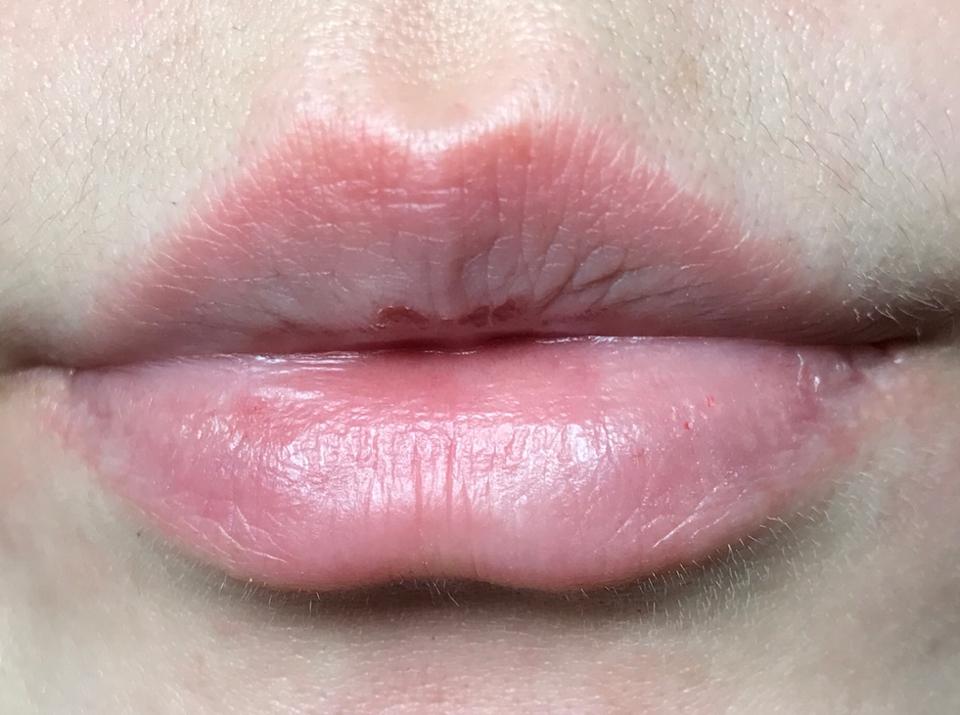 이 때 겨울이어서 지금보다 입술이 많이 건조했을 때 입니다! *_*