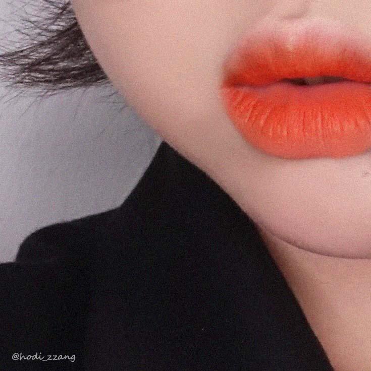 간단하게 립밤바르고 에스쁘아 오렌지밋츠브라운컬러를 톡톡 발라줬어요! 오랜만에 오렌지 ㅠㅠㅠ완전 취저입니당!!!!
