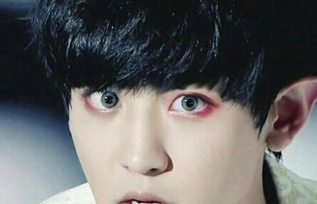 오른쪽눈에 합성 렌즈도 합성