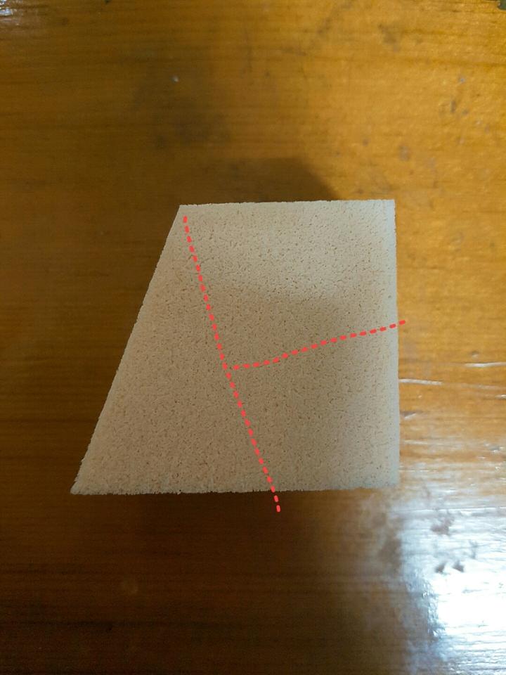 요렇게! 자르는겁니다! 나름 제가 퍼프 뚫어져라 쳐다보면서 연구해본거예요ㅠㅠ  수학적으로 (ㅋㅋㅋㅋ) 봤을때 (이래뵈도 이과출신) 이런 절개 방법이 제 생각엔 가장 효율적인거 같아요! 혹시 이것보다 더 효율적인 방법 알고계신분 같이 나눠요 우리♥
