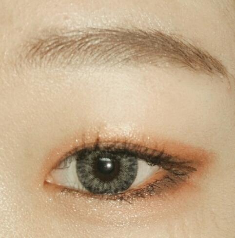 애굣살그리고 눈밑 빤짝이 사라라♡♡ 완성입니다!!!!😘😘 아 그리고 마스카라 꿀팁이나 이쁘게바르는법알려주세요...)