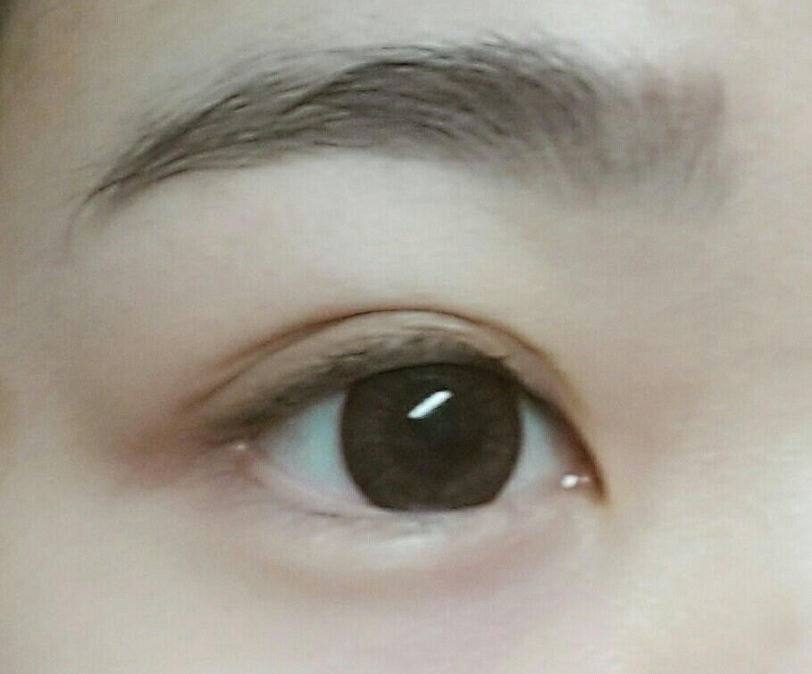 리지모카를 착용해보았어요.  실제로 보면 렌즈 착용 하고 안하고의 차이가 매우 커요!