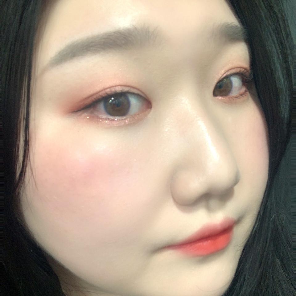 전체적으로 잘 어울리죠? 🤗    #뷰티 #뷰티스타그램 #메이크업 #일상 #리뷰 #데일리메이크업 #코덕 #클리오 #스틸라 #3ce #motd #beauty #beautyblog #blogger #makeup #review #eye