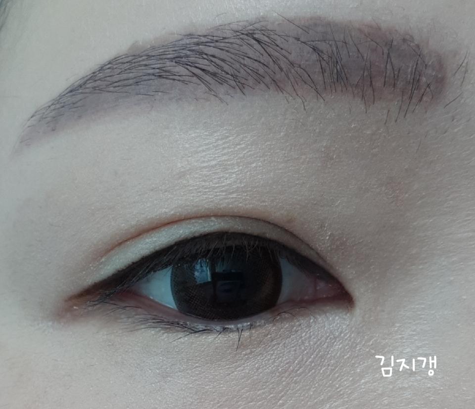 눈 떳을때 느낌입니다~