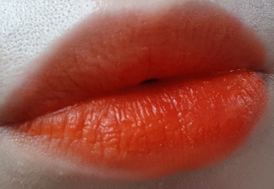 #풀립  풀로 바르면 레드오렌지 !! 진짜 너무예뻐요 ㅠㅍㅍㅍ 요즘에 레드립 바르고 다녔는데 여름이니까 다시 오렌지 😚😚