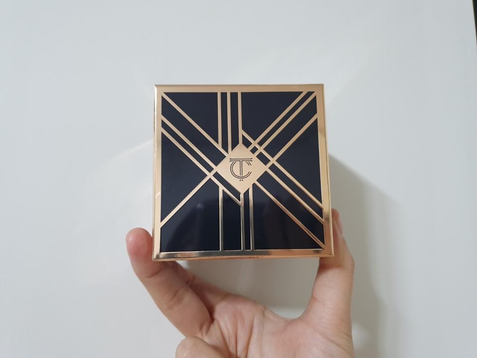 이렇게 안의 케이스랑 똑같이 생긴 상자가 있어요!  투쿨은 투쿨만의 디자인이라고 할까요?!그게 있는것 같아요ㅎㅎ