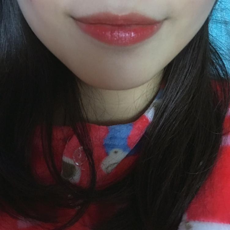 발라주면 각질도 싹 들어가고 탱글탱글해 보이는 입술 완성!!!