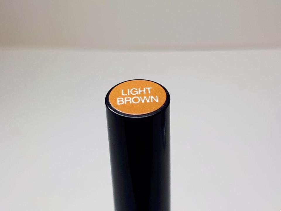 색상은 그레이브라운 / 내추럴브라운 / 라이트브라운 이렇게 총 3가지 색상으로 출시되었어요 저는 탈색모이기때문에 라이트 브라운 색상을 선택하였습니다!