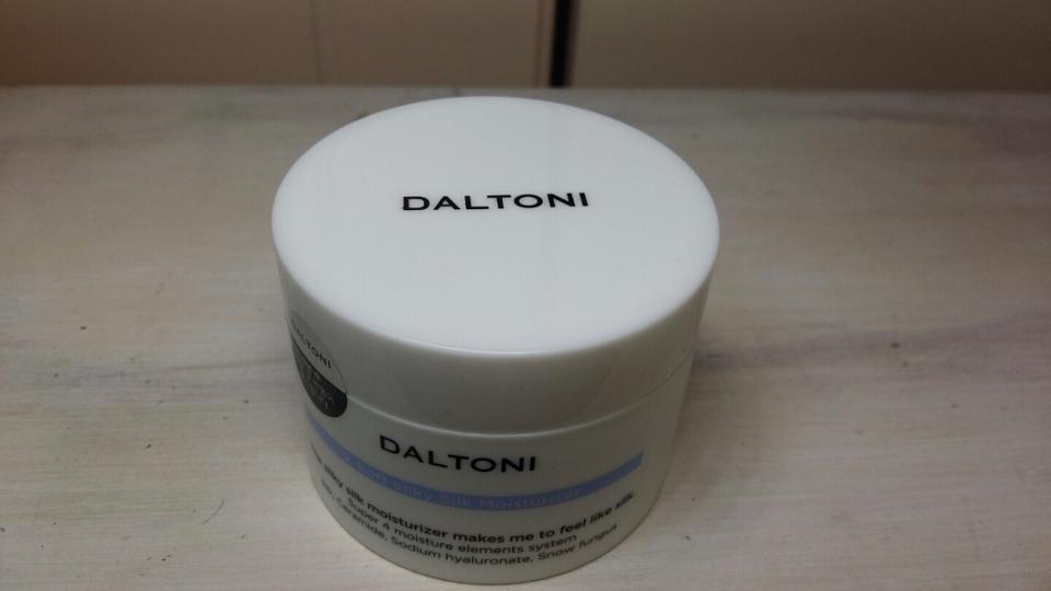 저는 이 제품의 윗모습이 넘나 맘에 들엇어요♡_♡ DALTONI로 하얀색 배경에 검은색 글씨  깔끔해요!!