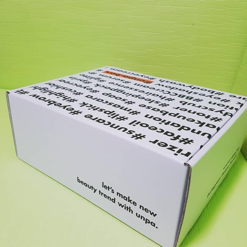 뜨아아아 이렇게 세련되고 유니크한 박스 보신적 있나요오오오😍  언파는 디자인 센스쟁이다!!! 얼른얼른 박스를 열어보자구요><