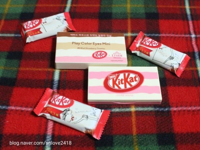 초콜릿들을 꺼내서 찍어보니 이름처럼 핑크핑크한 디자인이에요 에뛰드같이 핑크핑크해서 귀여운것같아용
