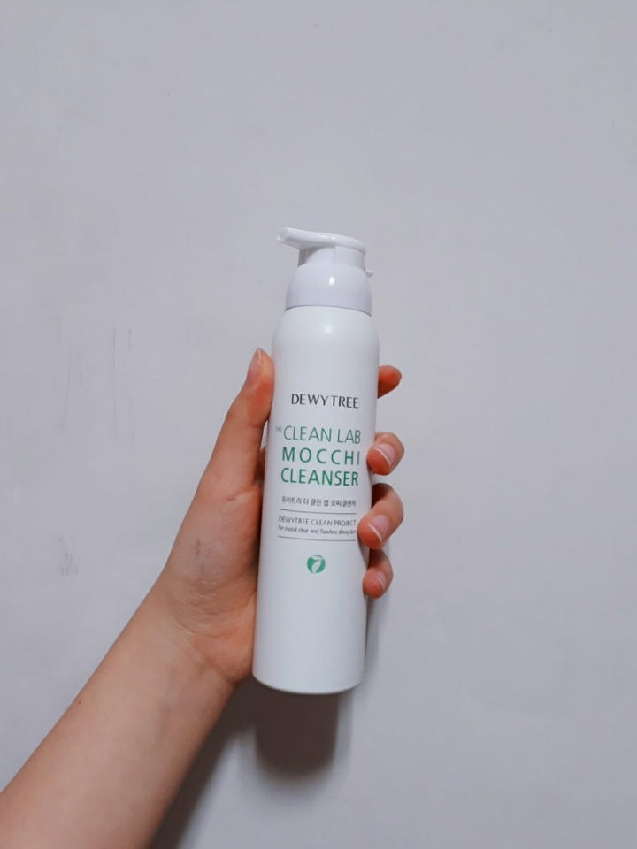 제품 외관입니다:)  일단 듀이트리 클렌저는  약산성이라 민감한 피부이신분들도 사용하셔도 좋을 제품이에요