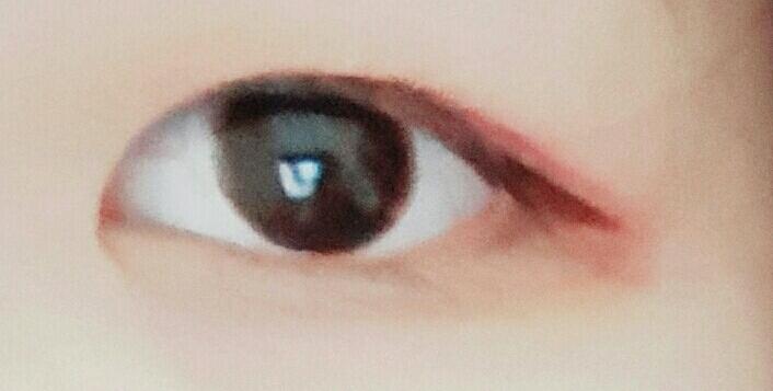 눈 화장한모습이에요