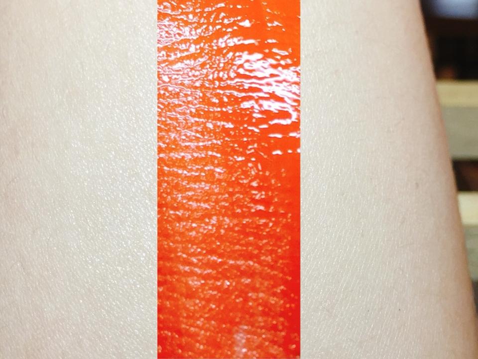 촉촉한게 느껴지시나요😚 발색이 진해서 이것만 하루종일 발라요..완전 최애// 개인적으로 삼호오렌지가 가장 이뻣어요!