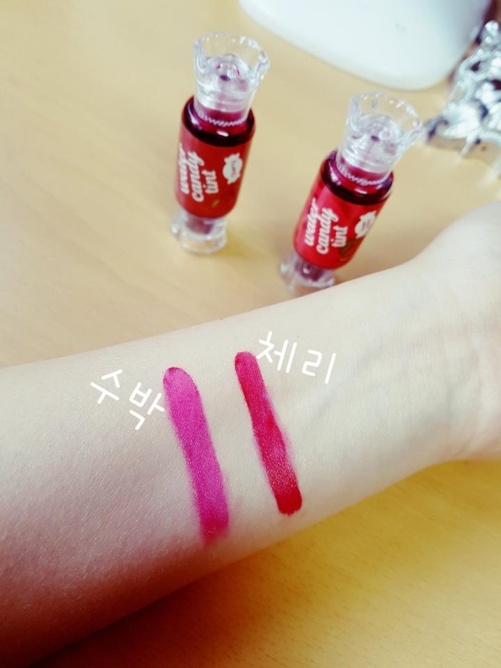 발색샷입니다! 체리는 톤다운 레드색깔! 수박은 핑크레드 색깔입니당!
