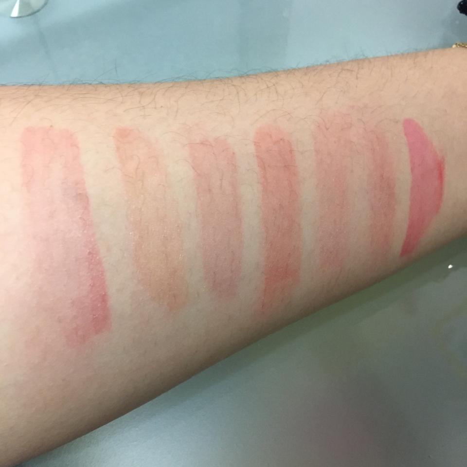 착색은 요로코롬 됬네요! 립스틱 계열이라 착색이 조금 덜 되지만 토니모리 틴트는 좀 핑크로 착색되네용😀