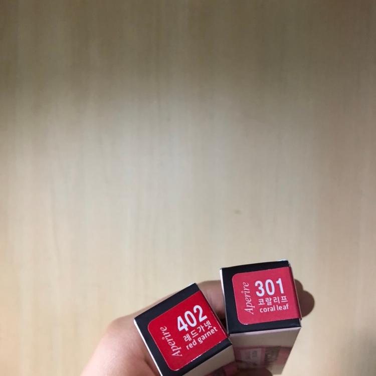 저는 301코랄리프, 402레드가넷 을 구매했어요! 솔직히 예쁜 색상 넘나 많아서 고민 많이했어요 🤔