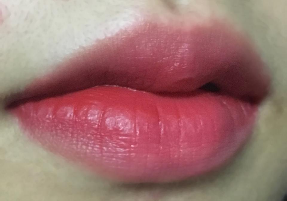 입술 발색샷인데 제가 요즘 빠진 컬러여서 ㅠㅠㅠ진짜 최고 예쁘죠 😝😝❤️