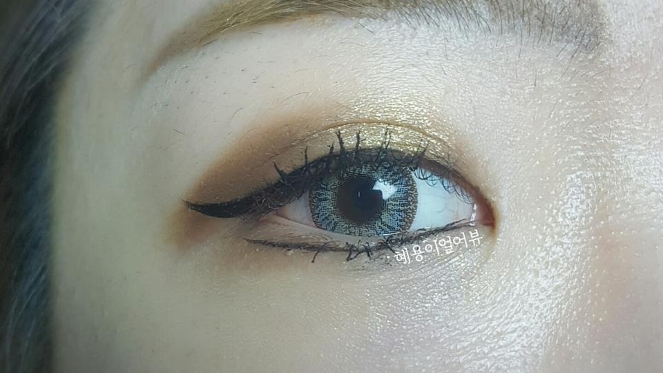 < 렌즈타운 엔젤프렌치 그레이 >  그레이 역시 섹시한 시베리안 허스키 같은 느낌이에요! 정말<3 정말 눈을 뙇! 튀게해주는, 세상이목 집중시키는 칭찬을 백만번해줘도 모자란 그래픽!😘😗❤