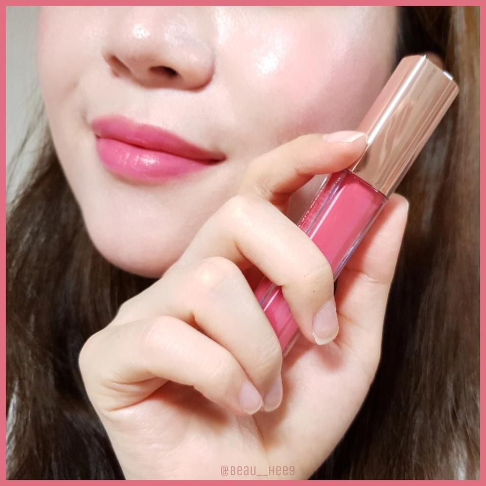 입술과 볼에 심플미를 올려주면 요렇게 소녀소녀한 메이크업이 완성되요💖  사랑스러운 핑크색감이라서 자연스럽고 러블리한 연출이 가능해요!  궁금한 점은 댓글로 남겨주세용:)
