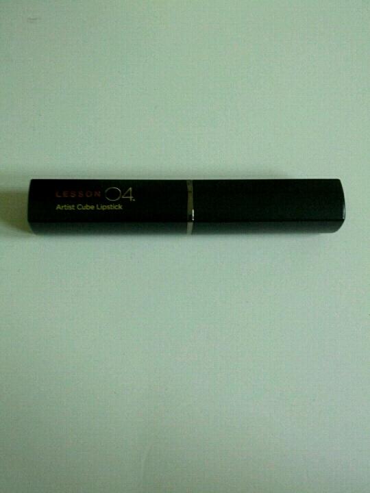제가 원래 큐브 립스틱을 워낙에 좋아해요 ㅎㅎ