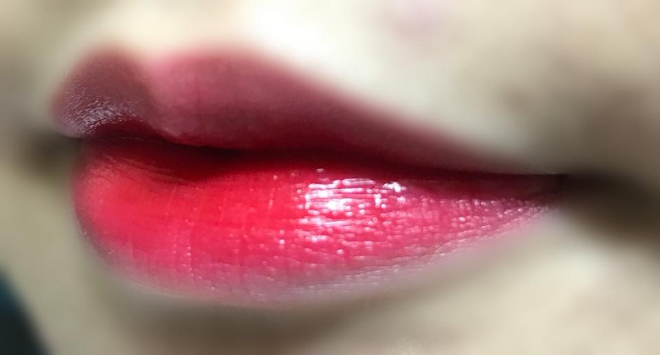 그라데이션으로 발라봤어요! 예쁜 핑크색ㅠㅠㅠ 이렇게 바르고 중간에 한 번 정도 바르면 너무 너무 예쁜 핑크색이 나와요!
