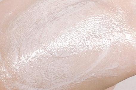 거품이 부드러워서 피부에 자극도 없었고 무엇보다 향도 괜찮았어요 깨끗하게 잘 지워져서 앞으로도 꾸준히 잘 사용할것같은 제품입니다!!