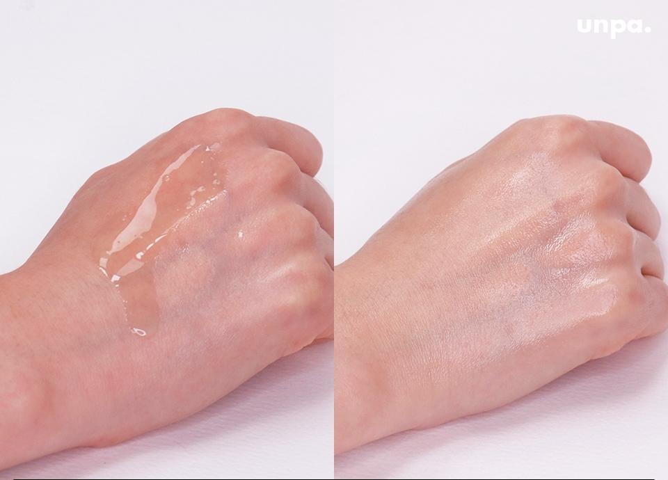 그리고 지성 피부에게 가장 중요한 포.인.트! 오일 제품임에도 불구하고 산뜻한 제형이 즉각적인 보습을 채워주면서 빠르게 흡수되니까  피부 속 보습을 꽉-잡아주는 역할을 하더라구